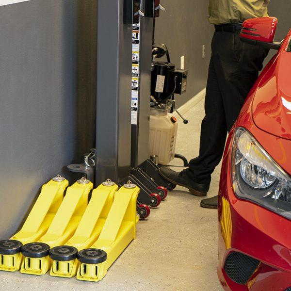 Stow-MaxJax-Portable-Car-Lift